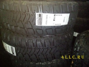 GOODYEAR Wrangler MT/R With Kevlar 265/75R16 123/120Q